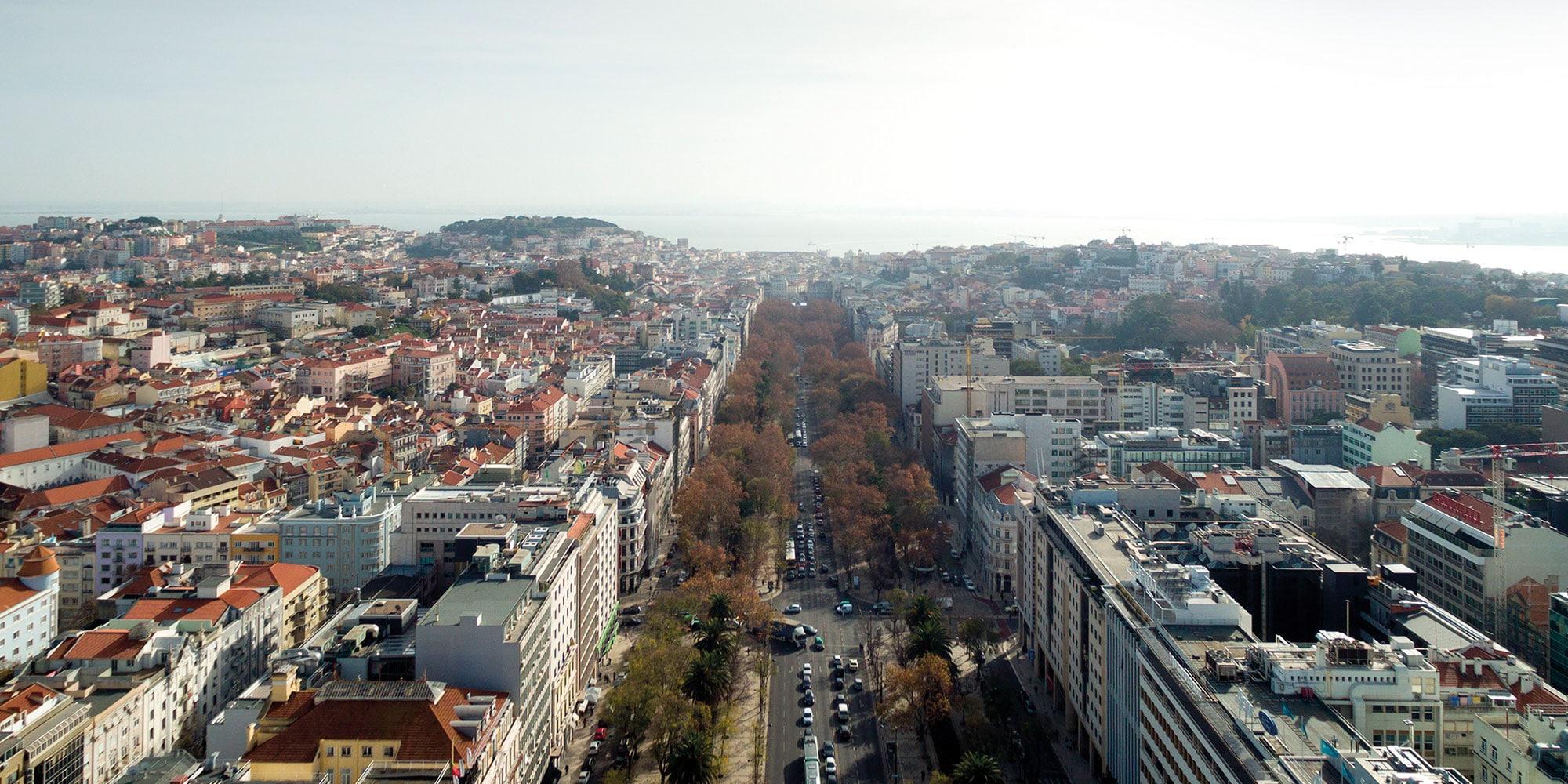 Junto à luxuosa e exclusiva Avenida da Liberdade, terá total Liberdade para usufruir das melhores lojas, cafés, restaurantes e hotéis da cidade de Lisboa.